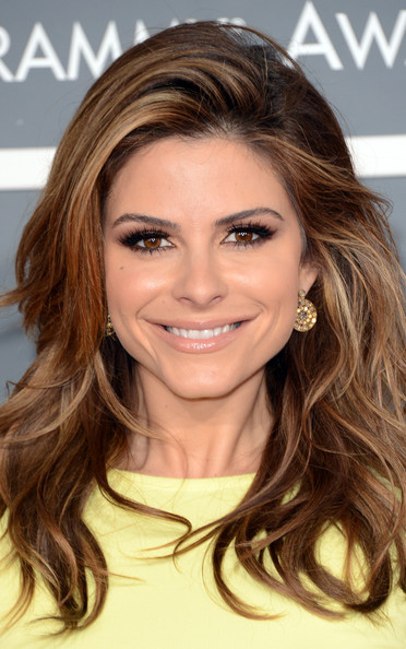 More Pics of Maria Menounos Long Wavy Cut (1 of 6) - Long Wavy Cut Lookbook - StyleBistro