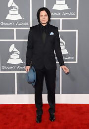 Jack White opted for a simple black suit to wear to the 2013 Grammy Awards.