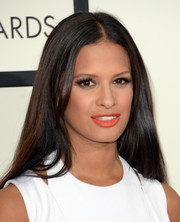 Rocsi Diaz opted for a loose straight 'do with a center part when she attended the Grammys.