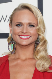 Miranda Lambert went for vintage romance at the Grammys with this retro curly 'do.