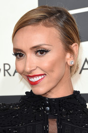 Giuliana Rancic pulled her hair back into a simple chignon for the Grammys.