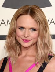 Miranda Lambert styled her hair with gentle waves for the Grammys.