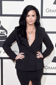 Demi Lovato attended the 2016 Grammys wearing a ton of statement rings by Loree Rodkin.