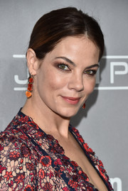 Michelle Monaghan wore a gorgeous pair of dangling gemstone earrings at the 2016 Baby2Baby Gala.