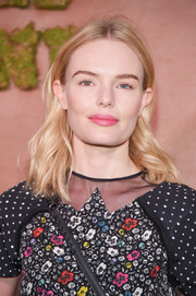 Kate Bosworth topped off her look with a pink pout.