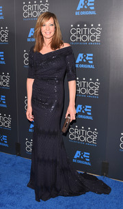 Allison Janney donned a shimmery black off-the-shoulder gown for the Critics' Choice Television Awards.