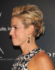 Jessica Seinfeld attended the PSLA Autumn Party wearing her hair swept back in messy-chic twists.