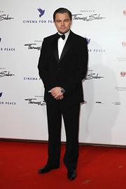 Leonardo DiCaprio looked very refined in his black tux at the Cinema for Peace Gala.