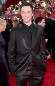 Jim pulled off black on black quite nicely in his black suit with extra sheen and his signature skinny tie at the Emmy Awards.