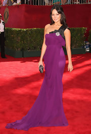 Lindsay Price looked regal in this royal purple one-shoulder gown. The draping was exquisite and the fabric flowed effortlessly.