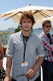James Franco shows off a longer, messier do than we're used to seeing him in. What do you think of his free flying locks?
