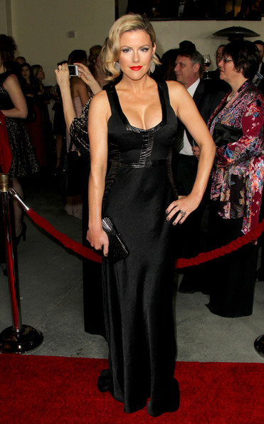 Kathleen Robertson wore a black evening dress with a square neckline to the DGA Awards.