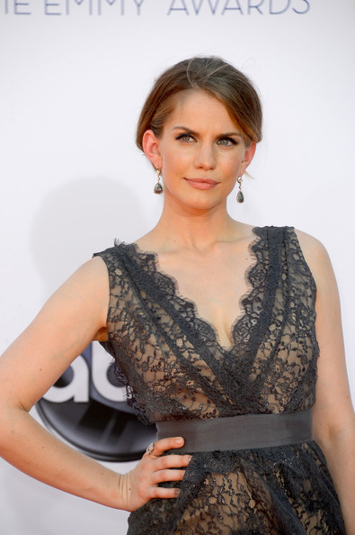 More Pics of Anna Chlumsky Evening Dress (1 of 7) - Anna Chlumsky Lookbook - StyleBistro