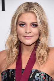 Lauren Alaina looked pretty with her boho waves at the BMI Country Awards.
