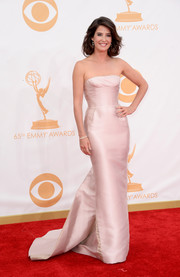 Cobie shines in a blush pink strapless gown with a slight train.