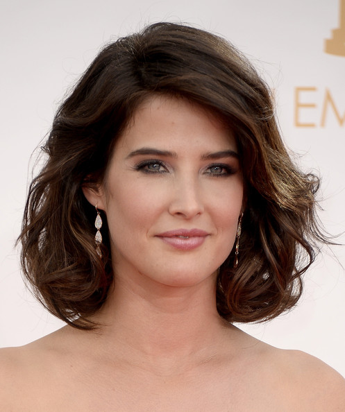 More Pics of Cobie Smulders Curled Out Bob (1 of 20) - Curled Out Bob Lookbook - StyleBistro