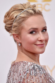 Hayden Panettiere adorned her hair with a bedazzled headband for a chicer finish.