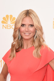 Heidi Klum wore her hair in perfectly sculpted waves during the Emmys.