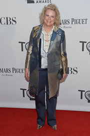 Candice Bergen definitely didn't shy away from the avante garde, wearing a silk print coat at the Tony Awards.