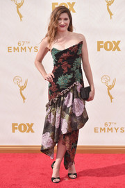 Kathryn Hahn was all abloom in an asymmetrical floral strapless dress by Vivienne Westwood, during the Emmys.
