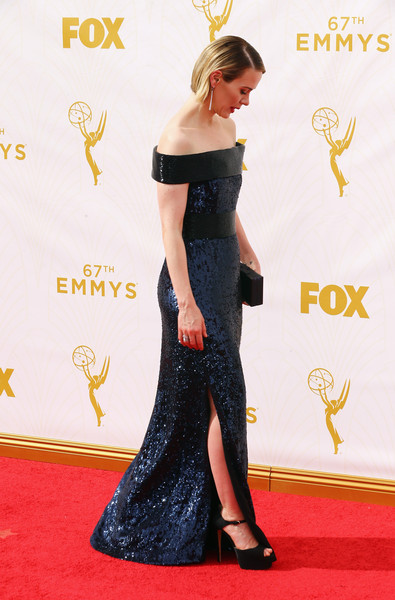 More Pics of Sarah Paulson Side Parted Straight Cut (4 of 18) - Sarah Paulson Lookbook - StyleBistro [red carpet,carpet,clothing,shoulder,dress,flooring,gown,fashion,hairstyle,joint,arrivals,sarah paulson,microsoft theater,los angeles,california,primetime emmy awards]