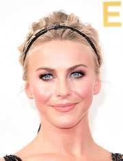 Julianne Hough was rocker-glam at the Emmys wearing this messy updo.