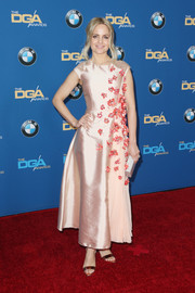 Mena Suvari oozed sweetness in this flower-appliqued pale-pink silk gown at the Directors Guild of America Awards.
