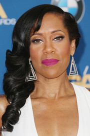 Regina King's hot-pink lippy totally made her beauty look pop!
