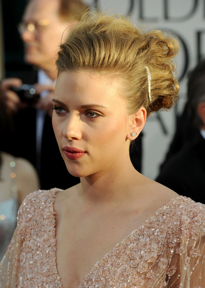 More Pics of Scarlett Johansson Messy Updo (5 of 56) - Scarlett Johansson Lookbook - StyleBistro