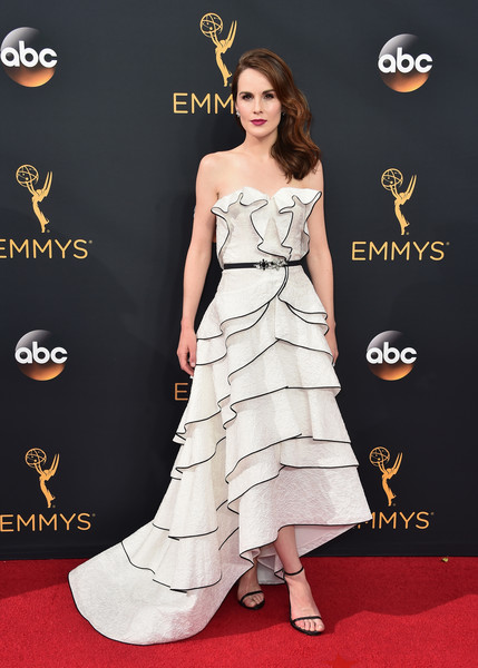 More Pics of Michelle Dockery Neutral Nail Polish (1 of 13) - Michelle Dockery Lookbook - StyleBistro [dress,clothing,red carpet,carpet,fashion model,shoulder,flooring,gown,strapless dress,hairstyle,arrivals,michelle dockery,los angeles,theater,california,microsoft,primetime emmy awards]