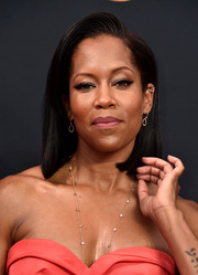 Regina King attended the Emmys wearing a mid-length bob with a gelled top.