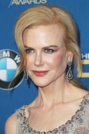 Nicole Kidman complemented her 'do with a pair of diamond chandelier earrings.