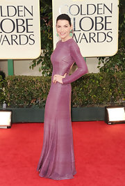 Julianna Margulies looked simply stunning in a long-sleeve muted cranberry gown at the Golden Globes.