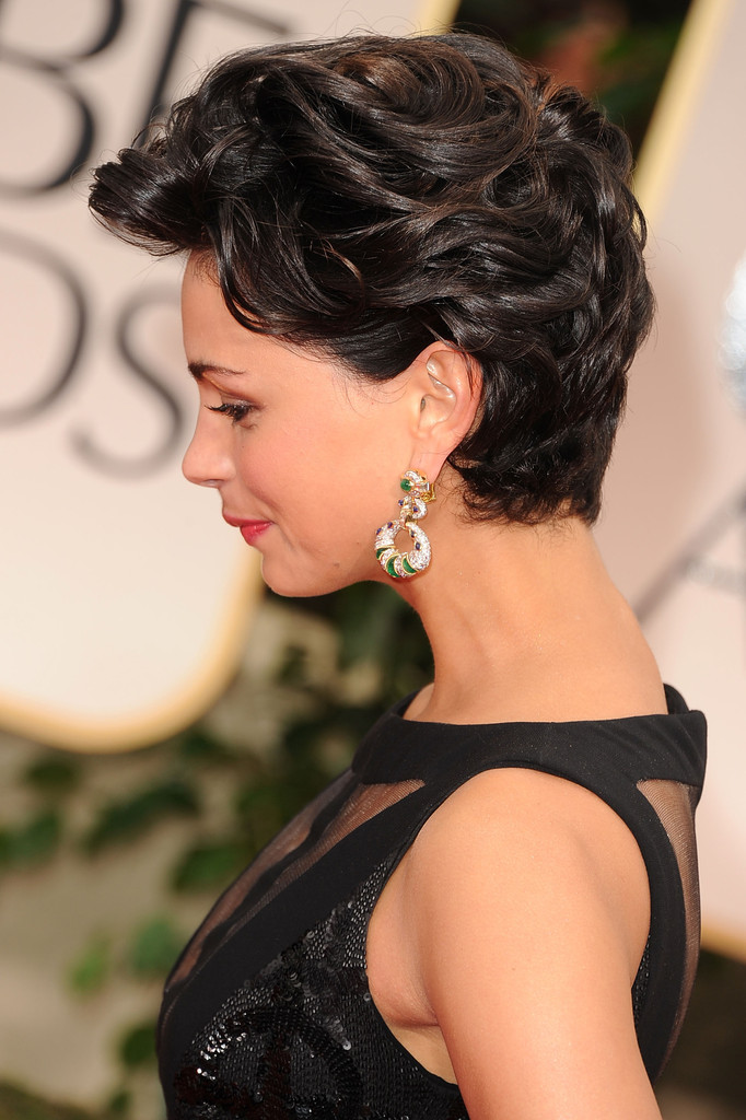 More Pics Of Morena Baccarin Short Curls 4 Of 23 Short Hairstyles Lookbook Stylebistro