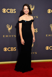 Tatiana Maslany went for understated elegance in a black off-the-shoulder gown by Reem Acra at the 2017 Emmys.