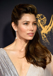 Jessica Biel stepped up the elegance with a pair of diamond drop earrings by Forevermark.