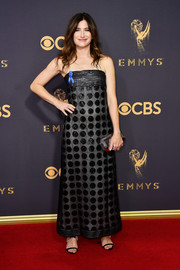 Kathryn Hahn paired her dress with a faceted clutch by Tyler Ellis.