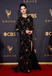 Jaimie Alexander kept it classy in a black Naeem Khan gown with gold bird and foliage beading at the 2017 Emmys.