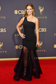 Natalie Morales slayed in a sheer-bottom one-shoulder gown by Bronx and Banco at the 2017 Emmys.