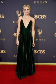 Shailene Woodley looked downright divine in a plunging green velvet gown by Ralph Lauren at the 2017 Emmys.