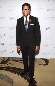 D.L. Hughley chose a classic two-button suit for his look at the Television Academy Honors.