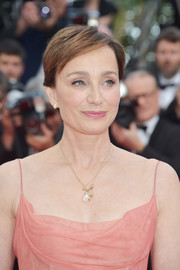 Kristin Scott Thomas kept it simple with this short side-parted 'do at the 2017 Cannes Film Festival.