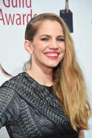 Anna Chlumsky sported an edgy side-swept 'do at the 2018 Writers Guild Awards.