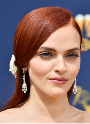 Madeline Brewer polished off her look with a pair of diamond chandelier earrings.