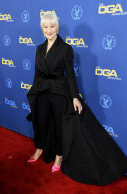 Helen Mirren punctuated her black look with hot-pink satin pumps by Roger Vivier.