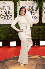 Paula Patton's white Stephane Rolland Couture evening dress at the Golden Globes was a real attention grabber, thanks to those massive ruffles.