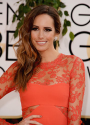 Louise Roe styled her wavy tresses into an edgy-glam side sweep for the Golden Globes.