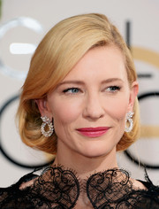 Cate Blanchett looked heavenly with her vintage-glam faux bob at the Golden Globes.