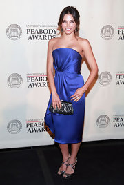 Jenna Dewan-Tatum paired her bright blue frock with strappy silver peep toe heels for the 71st Annual Peabody Awards.