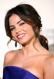 Jenna Dewan-Tatum pulled her layered tresses back into a casual low ponytail for the 71st Annual Peabody Awards.